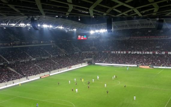 what an atmosphere for nice marseille allianz riviera. Black Bedroom Furniture Sets. Home Design Ideas